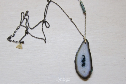 IZUMA GREEN DRUZY AGATE NECKLACE